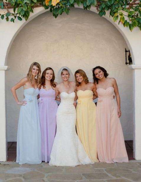 Robe demoiselle d'honneur pastel pour mariage