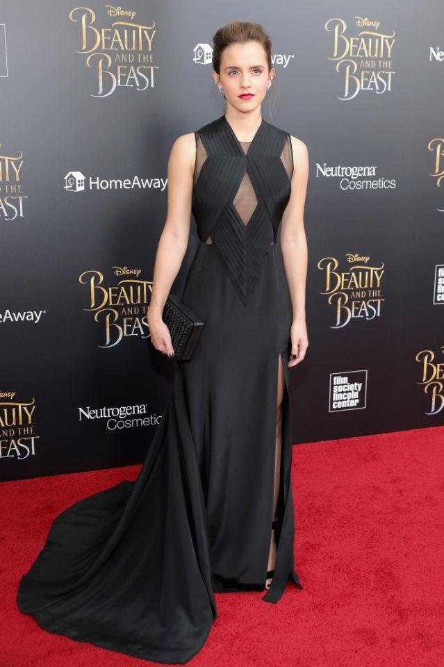 Robe longue noire dos nu Emmas Watson