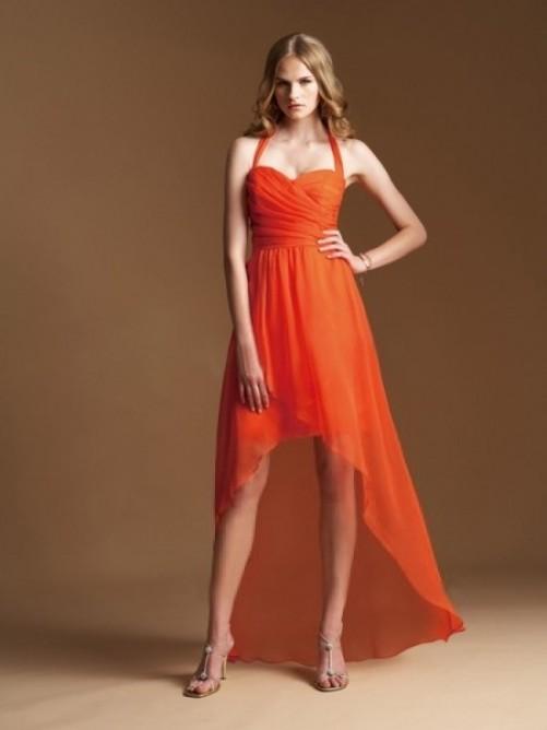 Robe de cocktail orange courte devant longue derrière halter